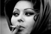 Sigarette / foto's met rokende mensen