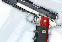GUNS & WEAPON