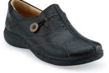 Clarks shoes / The Clarks brand is a highly recognized comfort brand. Clarks shoes are all designed around a comfort theme. Trust Clarks shoes to be a staple shoe in any wardrobe.