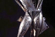 De Chirico / 自分自身を未知に追放した廃墟の王の玩具としての絵画と彫刻。
