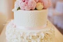 Ruffel flowers cake idea