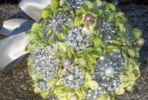 Brooch bouquets - green