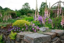 Get the look: RHS Gardens / The Royal Horticultural Society give us beautiful garden ideas. Let us to help you get the look you want in your garden, no matter what shape or size it is! Bradfords is Trusted by Trades since 1770.