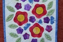 Quilts applique / by Denise Adams