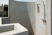"""+ Shower power, czyli inspiracje na prysznic + / Prysznic tradycyjny, z luksferami, kabina walkin a może outdoor? Szukaj razem z nami pomysłu na idealne """"Shower power"""" :)"""