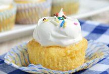 Skinny pineapple cupcakes.