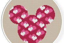 Point de croix Mickey