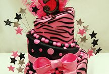Cakes / by Angelica Robles