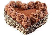 Dortová srdce / Vítejte v kategorii dortových srdcí, kde pro Vás máme připraveno několik nápadů na dorty pro Vaše blízké. Vyberte si jakýkoli dortík z naší nabídky a my Vám ho připravíme ve tvaru malého nebo velkého srdíčka. Láskyplná ruční práce a ty nejvytříbenější suroviny dělají z našich dortíků něco zvláštního. Darujte požitek a lásku.