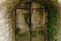 Kapılar -The doors are