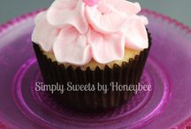 Cakes and Cupcakes / by Melissa Lawson
