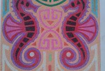 Sablimage / Petits tableaux réalisés par les enfants avec du sable coloré.