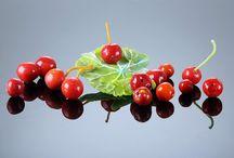 Cherries, דובדבנים / Bullseye frits and powders Pate De Verre אבקות זכוכית בולזאיי, פטה דה וור