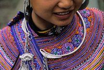 Vietnam / Vietnam (Vietnamese) Kinh (Viet) 85.7%, Tay 1.9%, Thai 1.8%, Muong 1.5%, Khmer 1.5%, Mong 1.2%, Nung 1.1%, others 5.3%