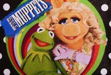Muppety / Wszystko, czego potrzeba do zorganizowania urodzin dziecka nawiązujących do Kermita, Piggy i spółki