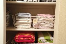 Neat & Tidy Organization / How to organize and simplify our beautiful little spaces.
