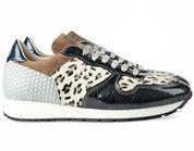 sneakers voor saskia