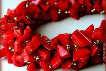 колье и браслеты из коралла