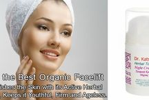 Richly Nourishes the Skin with its Active Herbal Ingredients, Keeps it Youthful, Firm and Ageless.