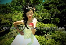 Quinceanera Posing Ideas / Quinceanera's are such a beautiful and personal occassion.  Here are some great photos I have found to give you some ideas for some poses to take to your Quinceanera photographer