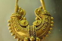 Boat shaped earrings