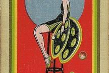 Millie mots Art Deco