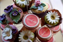 Cookies, Cakes & Treats - The Cookie Bar in Hindhead, Surrey / Delicious cakes and cookies available at the Cookie Bar!