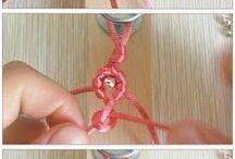 collane, braccialetti e orecchini