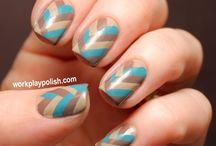 nails / by Ana Kir