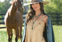 love this western look / by Debra Rodriguez