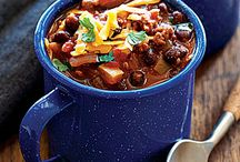 Chilis and Stews / by Tiffany Neuschafer