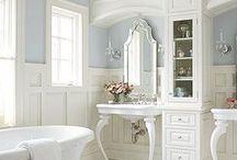 Simones bathroom