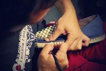 100% HANDMADE / Nuestras mano hacen una a una cada alpargata con productos made in Spain