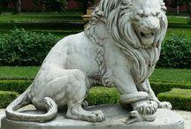 Lion sculpt