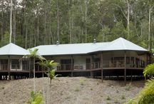 Somerset / Looking right at home in this bushland setting, the Somerset can be 4 or 5 bedrooms.