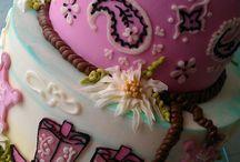 Cakes / by Bendi Dunn