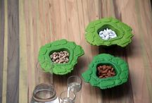 Ceramic :: Table Woods / On their own, these bowls are trees that keep, in their trunks, whatever treasures you may wish to bring to your table. Together, their crowns form a pixilated aerial view of a forest. Stacked, they grow into majestic trees that overlook the rest of the forest.