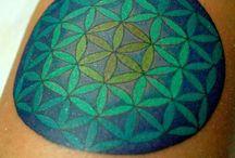 tatuaj floarea vietii