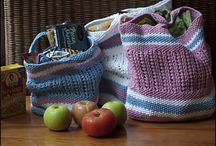 <3 2 Knit / by Pamela Gostick