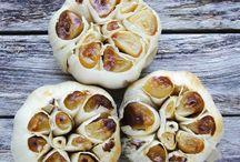 Garlic. Roasted