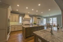 Transitional Kitchen with 2 Islands in Alpharetta, GA / Transitional Kitchen with 2 Islands in Alpharetta, GA