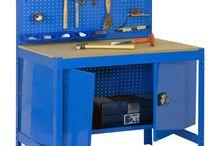 Werkbanken / De #werkbanken van Kraftmeister zijn van goede #kwaliteit en ideaal voor het inrichten van uw garage, schuur of #werkplaats. De werkbanken zijn 90, 120, 150 of 180 cm lang en bieden tal van combinatiemogelijkheden. De werkbanken zijn blauw van kleur, voor het werkblad kunt u kiezen uit MDF ( 16 of 35 mm dik) of metaal.  Het frame van #Kraftmeister is zo ontworpen dat het snel en eenvoudig in elkaar te zetten is en degelijk van kwaliteit is.