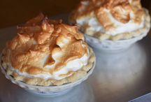 Pies & Tarts / Pie and tart recipes from dulcedoblog.blogspot.com