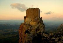Le château de Quéribus / Quéribus, en Pays cathare