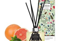 Green Tea & Grapefruit Reed Diffuser / Le Rêve Reed Diffusers feature premium quality perfume blended in a non-alcoholic solution for effective home fragrancing. We use natural rattan reeds that are tinted black with non-toxic colour dye for presentation. Presented in elegant packaging, with a stunning carton for each individual fragrance, they are the perfect way to freshen and brighten rooms where an open flame isn't convenient.
