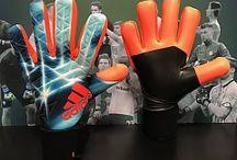 Neuer gloves