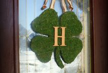 St. Patrick's Day – Window and Home Decorations  / Here are some great St. Patrick's Day decor ideas for your home.