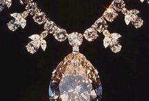 Jewellery! Jewellery! JEWELLERY!
