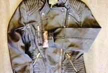 Vestes & Manteaux & Blousons sur Rosalie-Shop.com #RosalieShop / Ici notre sélection de vestes, manteaux et blousons que vous pourrez trouver sur notre site e-commerce ou en boutique de prêt à porter pour femme :). Trouvez votre veste, manteau ou blouson en copiant ce lien >> https://rosalie-shop.com/pret-a-porter/vestes-manteaux.html Bienvenue chez @Rosalie-Shop !