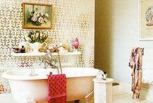 salle de bains / by Amanda Kamla